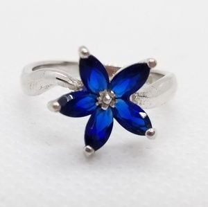 Jewelry - Sterling Silver Flower/Star Shaped Sapphire Ring